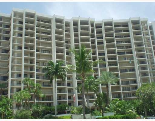 Hampton Beach Club | Lauderdale-by-the-Sea Condos for Sale